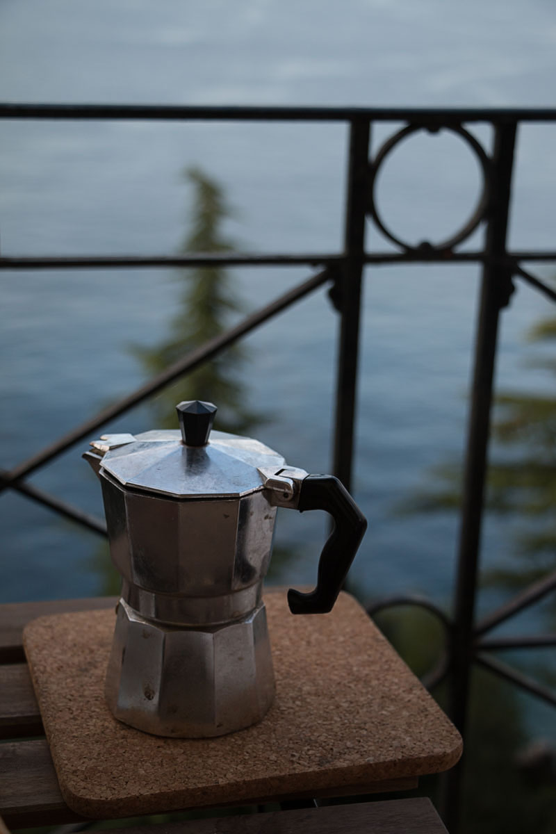 kaffee am morgen vertreibt kummer und sorgen | lili weissensteiner