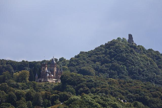 Schloss Drachenburg and Drachenfels ruin