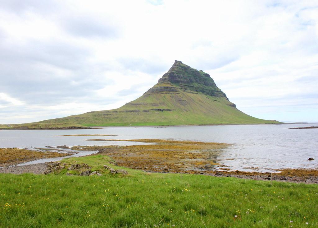 snaefellsnes-peninsula-mount-kirkjufell-grundarfjörður
