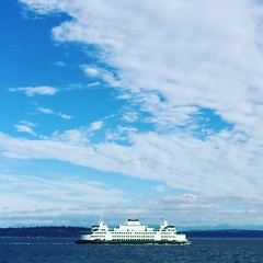 Thankful for one of my favorite places- on a ferry on Puget Sound. Today I took guests to Clinton WA to visit a fabric designer. It was a beautiful day. #Cy365 day308