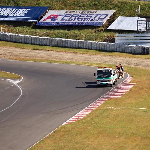 レーシングコースでトラブルが発生したら、 #ヤマハバイク #sugo #yamaha