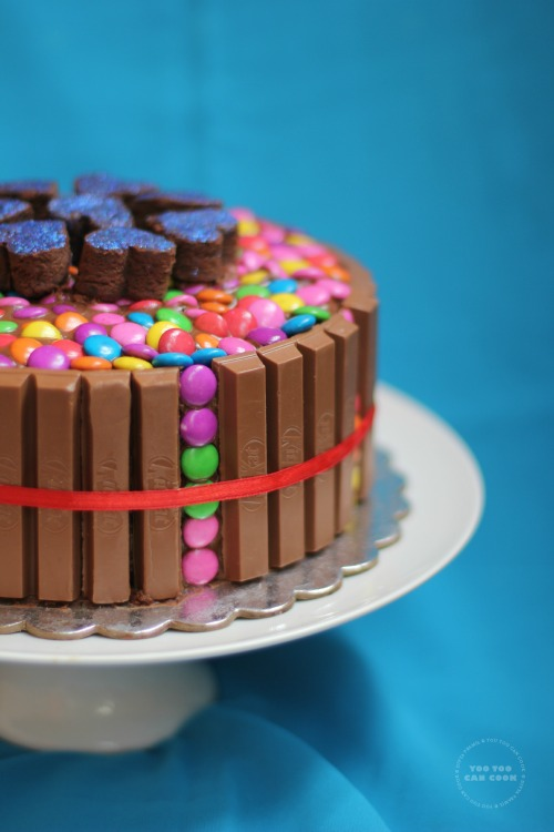 Cake Images With Gems : Kit Kat Cake Kit Kat And Gems Cake Birthday Cake For ...