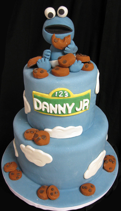 Merveilleux Baby Cookie Monster Cake