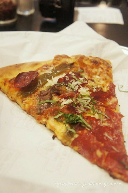 3.mickey's new york pizza (15)