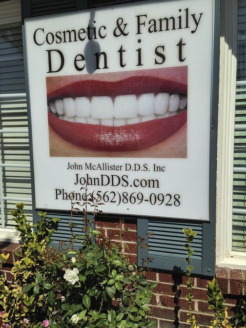 Dentist sign