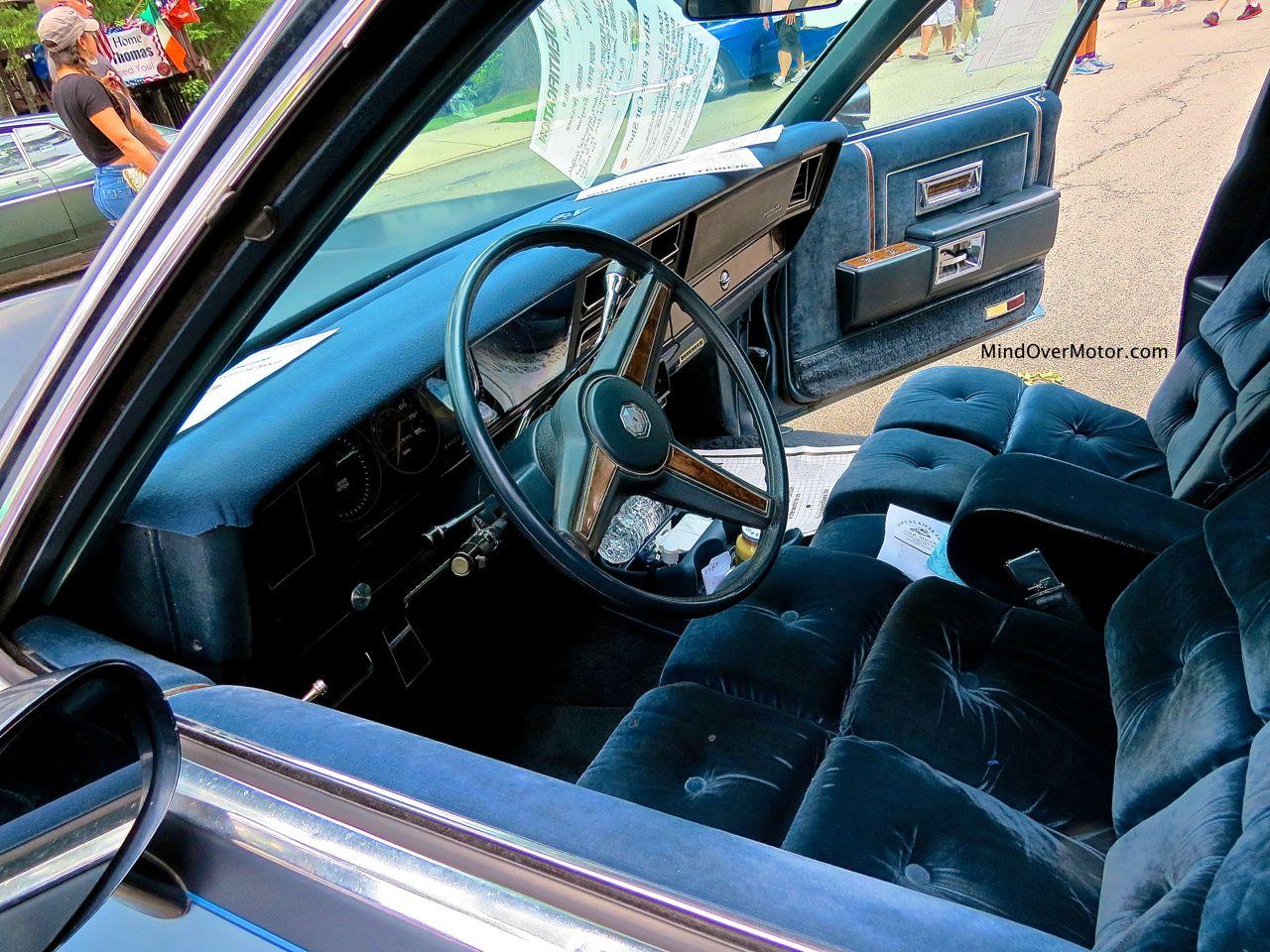 Pontiac Parisienne Brougham Front Seats