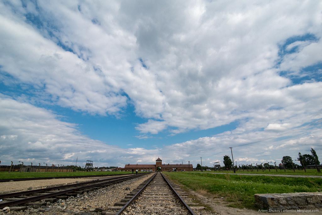 Auschwitz II–Birkenau-27.jpg