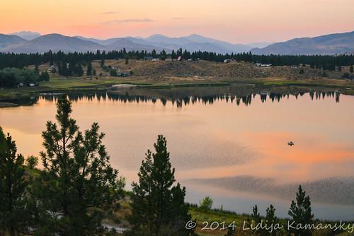 sunset sky sunlight lake reflection nature landscape outdoors evening washington dusk winthrop scenic calm pacificnorthwest tranquilscene colorfulsunset methowvalley ruralscene okanogancounty northcentralwashington bigtwinlake