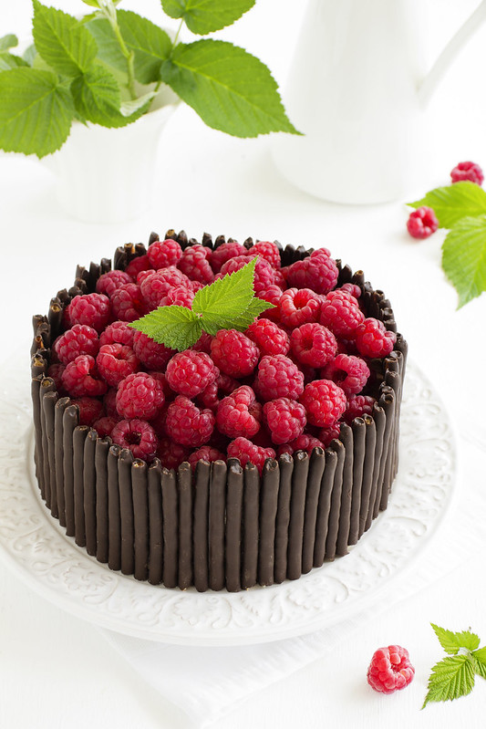 Chocolate cake with raspberries.