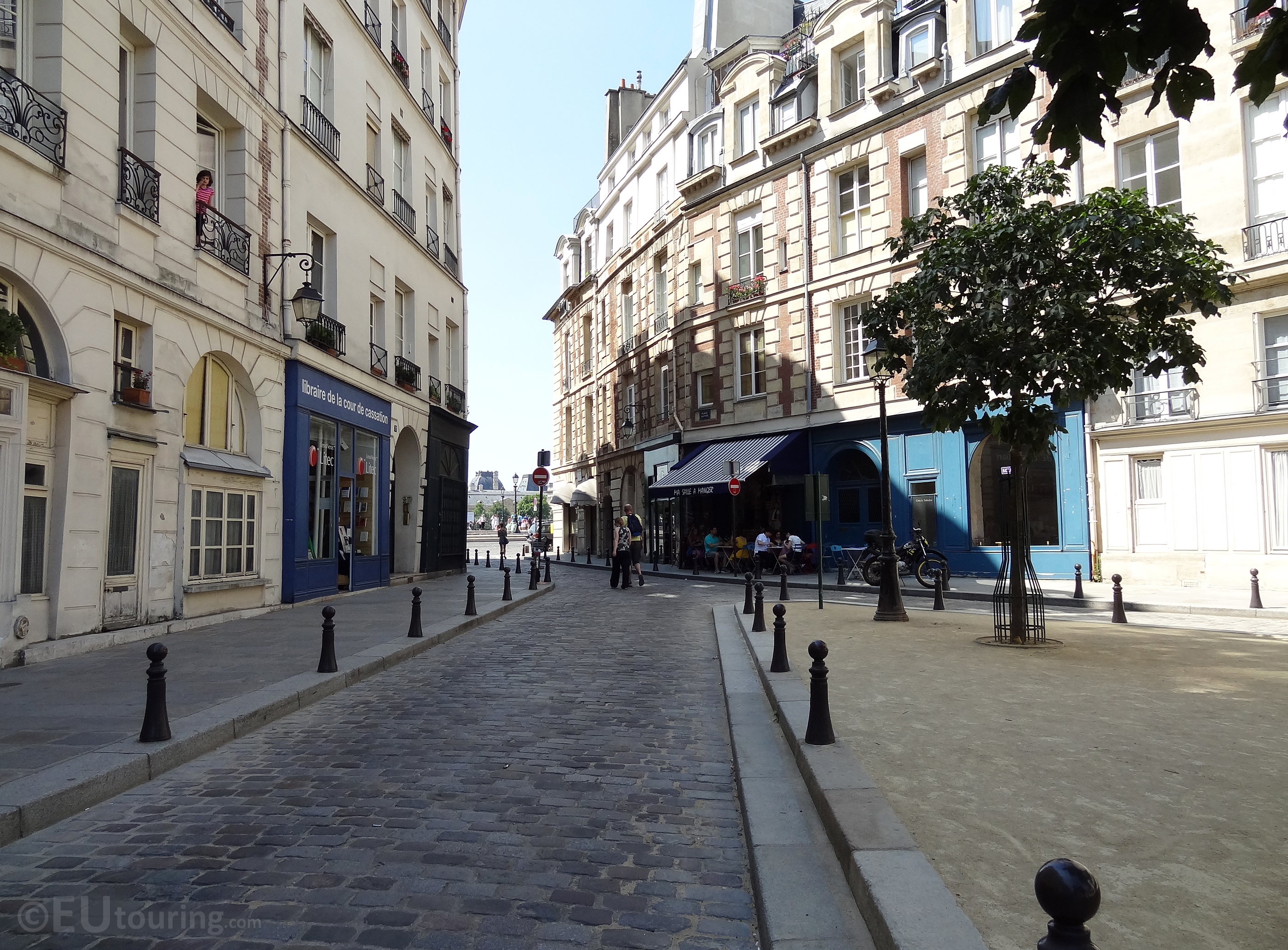 View to Place Dauphine entrance