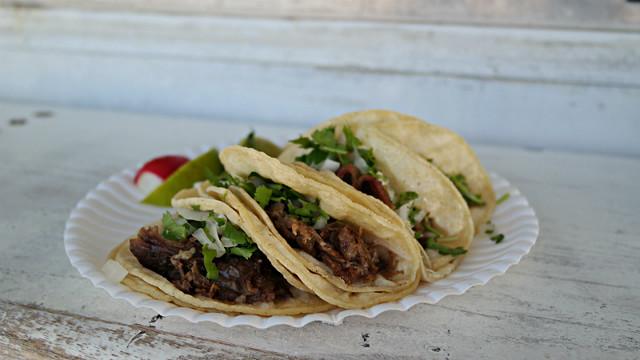 Cabeza Tacos from Taqueria Veracruz Taco Truck in Des Moines, Iowa