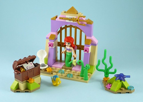 LEGO Disney Princess 41050 Ariel's Amazing Treasures 14