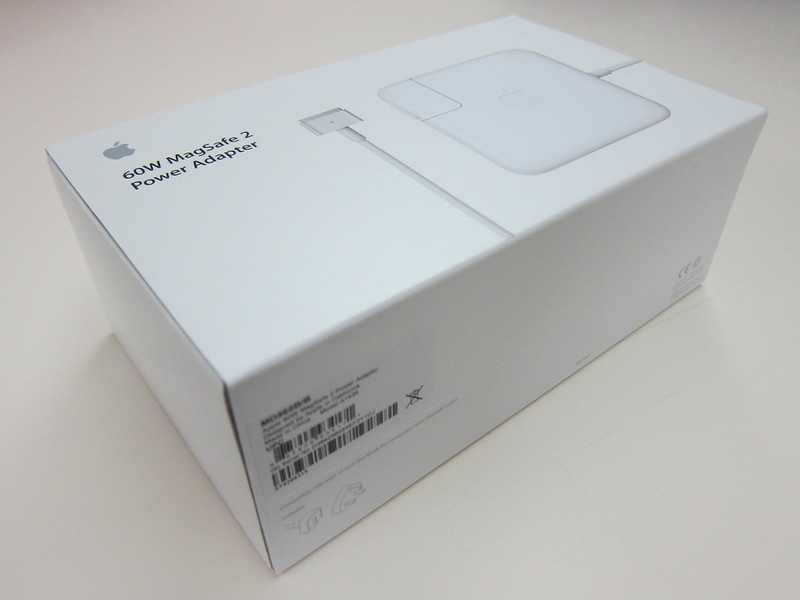 Apple 60W MagSafe 2 Power Adapter - Box