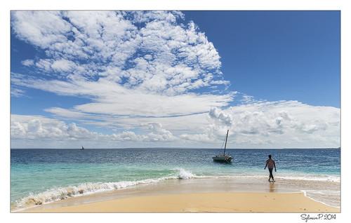 africa blue cloud beach canon island boat sand eau turquoise sable ile bleu ciel tropical nuage bateau plage indien mozambique afrique ibo océan quirimba quirimbas 2470mmf28 sylvainpons