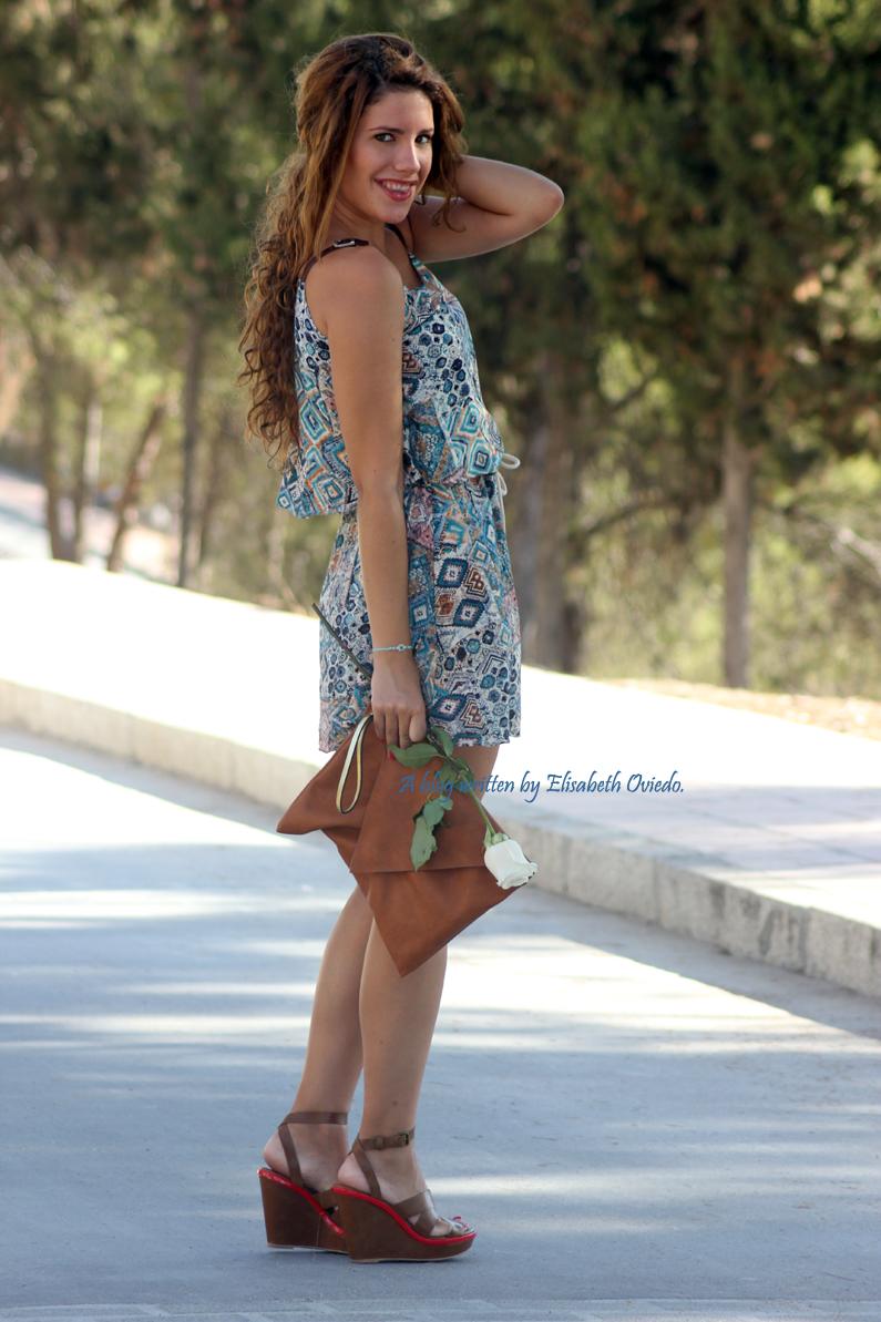 vestido-étnico-oasap-y-cuñas-marrones-zara-HEELSANDROSES-(7)