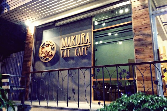 Makura Cat Café