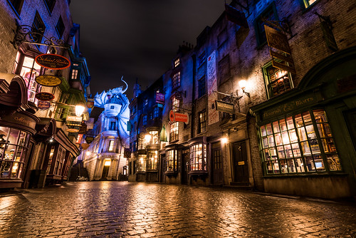 street travel vacation night orlando alley nikon dragon florida harry potter bank universal studios gringotts uor diagon