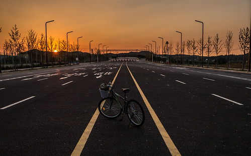 road sunset mountain bicycle highway solitude alone empty southkorea eery newcity gyeonggido nocars hwaseongsi