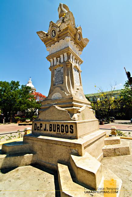 Plaza Burgos in Vigan