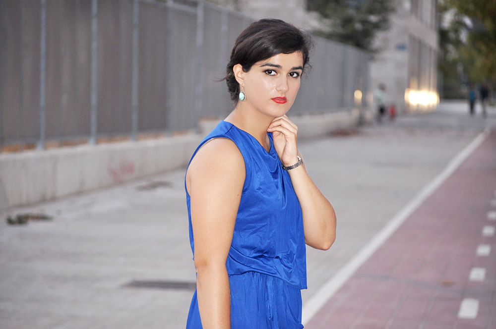 fashion blogger valencia spain somethingfashion, jumpsuit blue party heels smokey eye, electric blue outfit fblogger vintage, sfera clothing glamorous nightout style