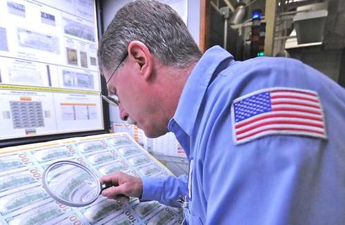 Making the U.S. $100 bill