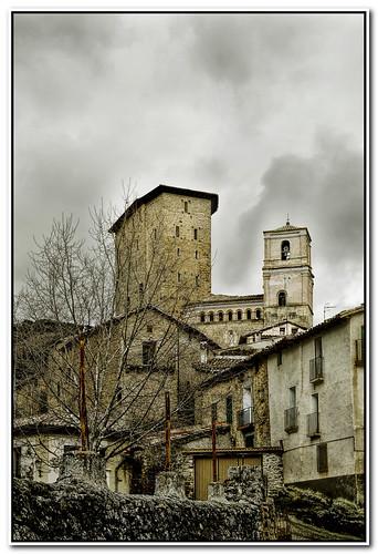 Donjon y torre de iglesia de Biel.. **Zaragoza**