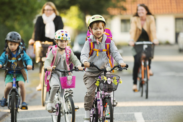 Danes support children's right to bike
