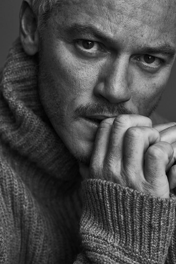 Люк Эванс — Фотосессия для «Mr.Porter» 2016 – 5