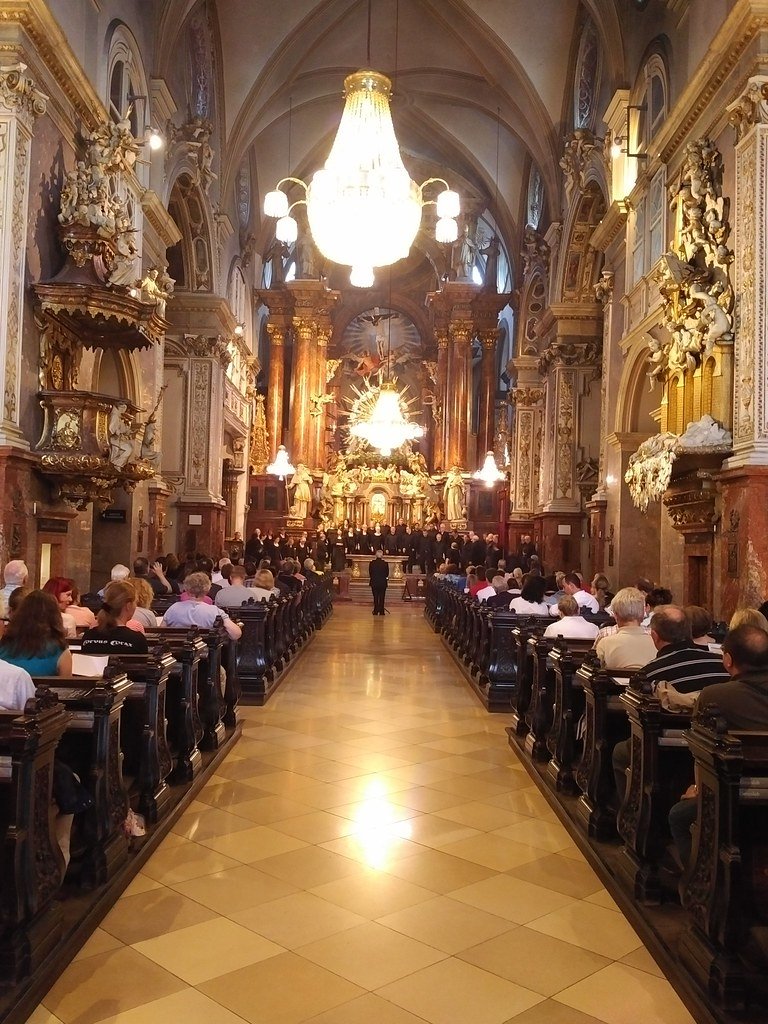 Pacific Chorale performs in the Franziskanerkirche in Vienna