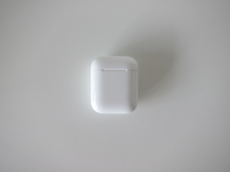 Apple AirPods - Charging Case - Front