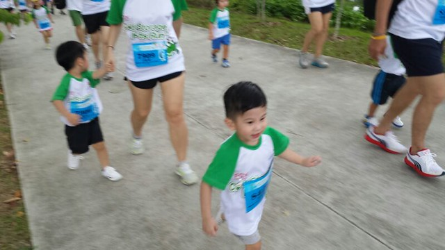 Jerry runs at the Cold Storage Kids Run 2014