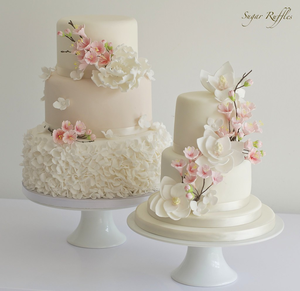 Торты с нежно розовыми цветами