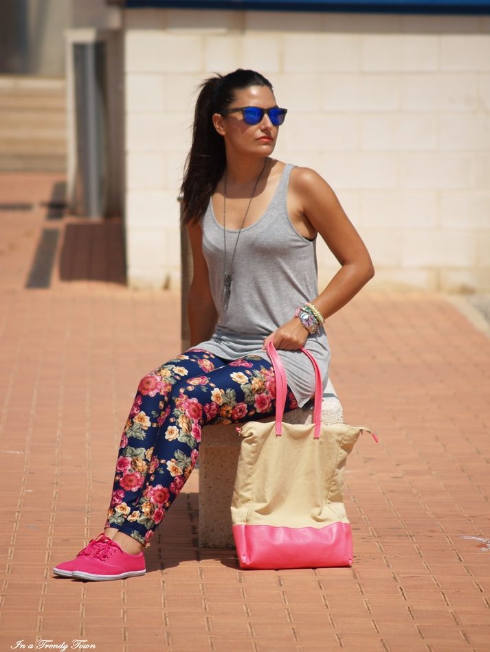FLOWERED LEGGINGS