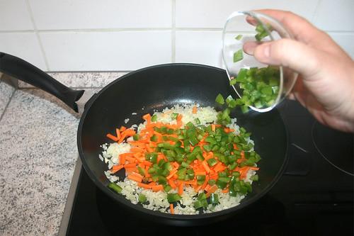 22 - Paprika hinzu geben / Add bell pepper