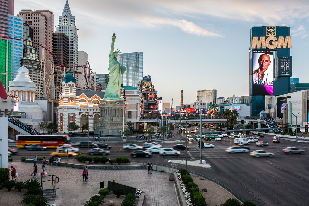 Las Vegas Hotels are known for their world-class service and charm, and jedemipan.tk has the hotel shopping experience you want. Whether you are up for gambling in the casinos or toasting at a bachelor party, Las Vegas is the ideal place to be.