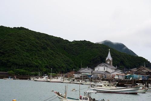 漁村に佇む天主堂