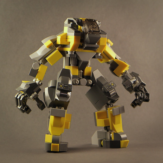 Flickr: The LEGO MECHA ARM-SUIT Pool