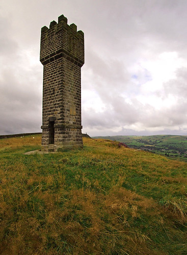 lund tower monument pepper yorkshire salt wideangle olympus fisheye pots waterloo micro wellington napoleon earl craven sutton folly pinnacles pinnacle 43 follies 9mm 1815 pennineway lancs cowling crag uwa bodycap doggun wainmans epm1 olympusbodycaplens9mmf80|bcl0980
