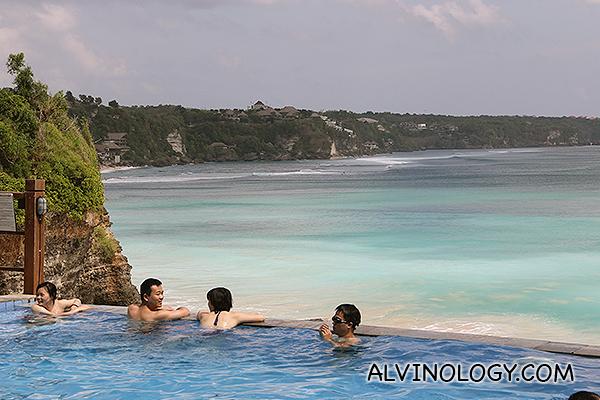 Sea-facing infinity pool