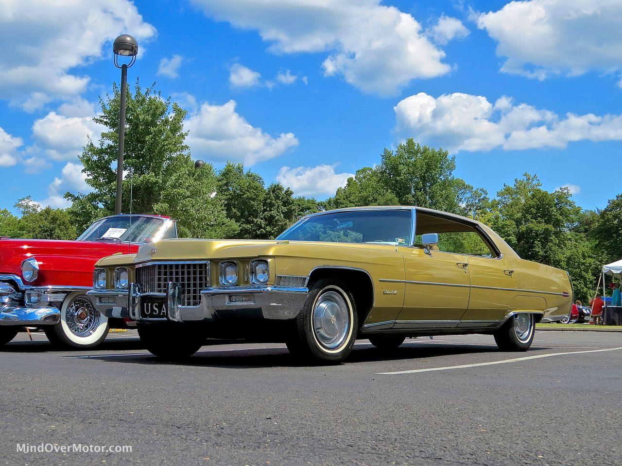 1971 Cadillac Sedan DeVille Front Left