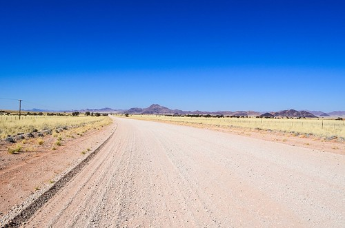 Cyclisme la route de gravier C27 en Namibie sud-ouest