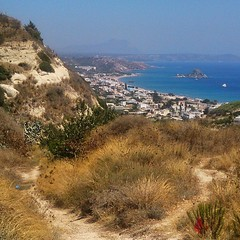 That was a warm walk. Agios Stephanos to Kefalos village. Not that many miles but it's in the low to mid thirties.