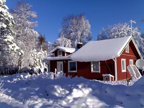 blue sky snow sunshine finland nokia frost lumi n70 taivas laihia ostrobothnia eteläpohjanmaa pakkanen auringonpaiste isokylä hopinmäki