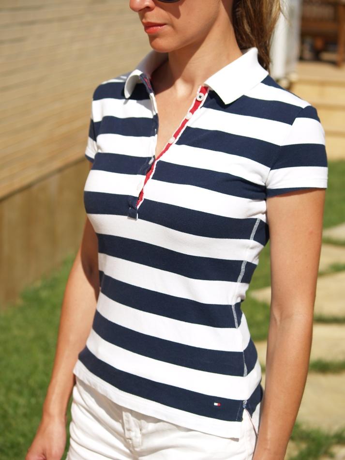 http://www.chicfy.com/camiseta-polo/polo-rayas-estilo-navy-firma-tommy