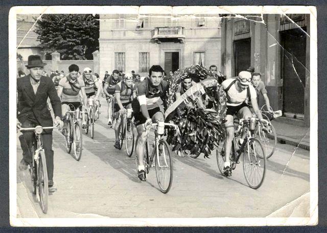 Legnano, '40, cerimonia prima della partenza della Coppa Bernocchi