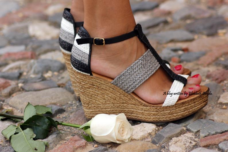 cuñas blancas y negras Marila HEELSANDROSES shorts denim (7)