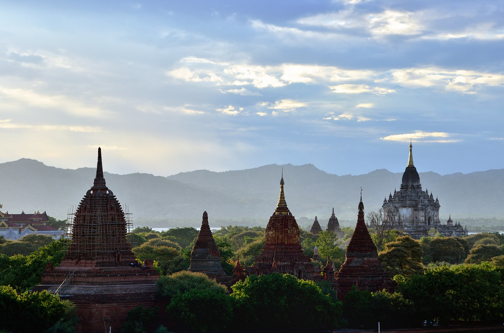 Birmania (Myanmar) 2014. Bagan al atardecer. Sunset in Bagan. (Explore, septiembre1, 2014)