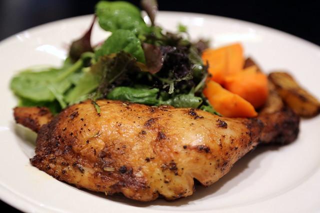 Lunch: Cuisse de Poulet Rotie