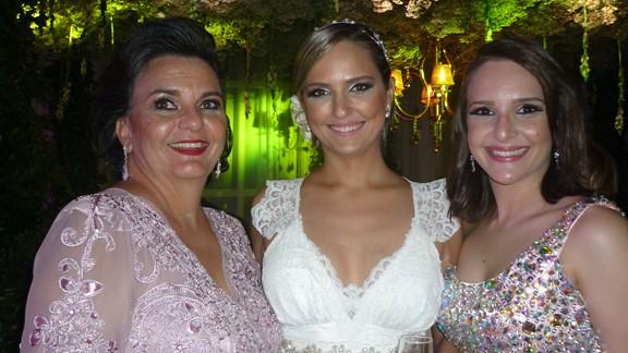 Bernadete Pinheiro com as filhas Olívia Pinheiro e Raquel Pinheiro