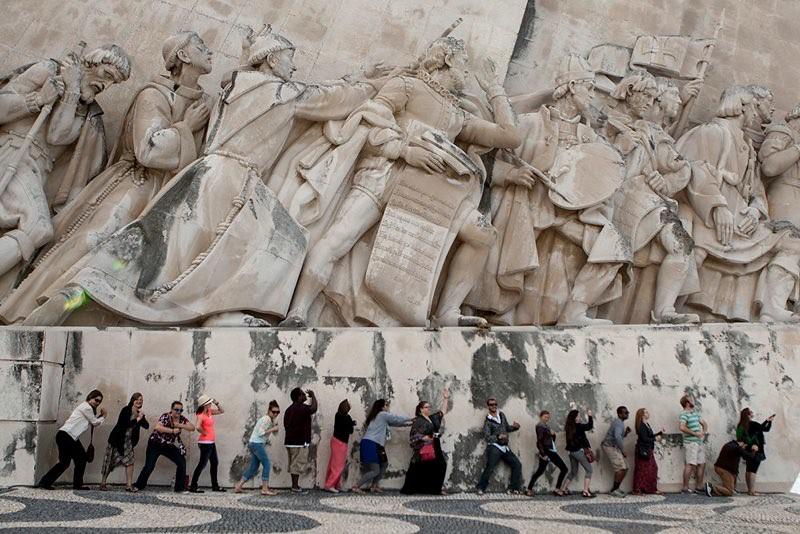 Berea College Choir at the Lisbon Navigators Monument